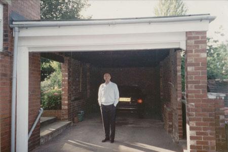 Bradford garage doors yorkshire & Roller garage doors fitted in Bradford Yorkshire Gliderol garage ...